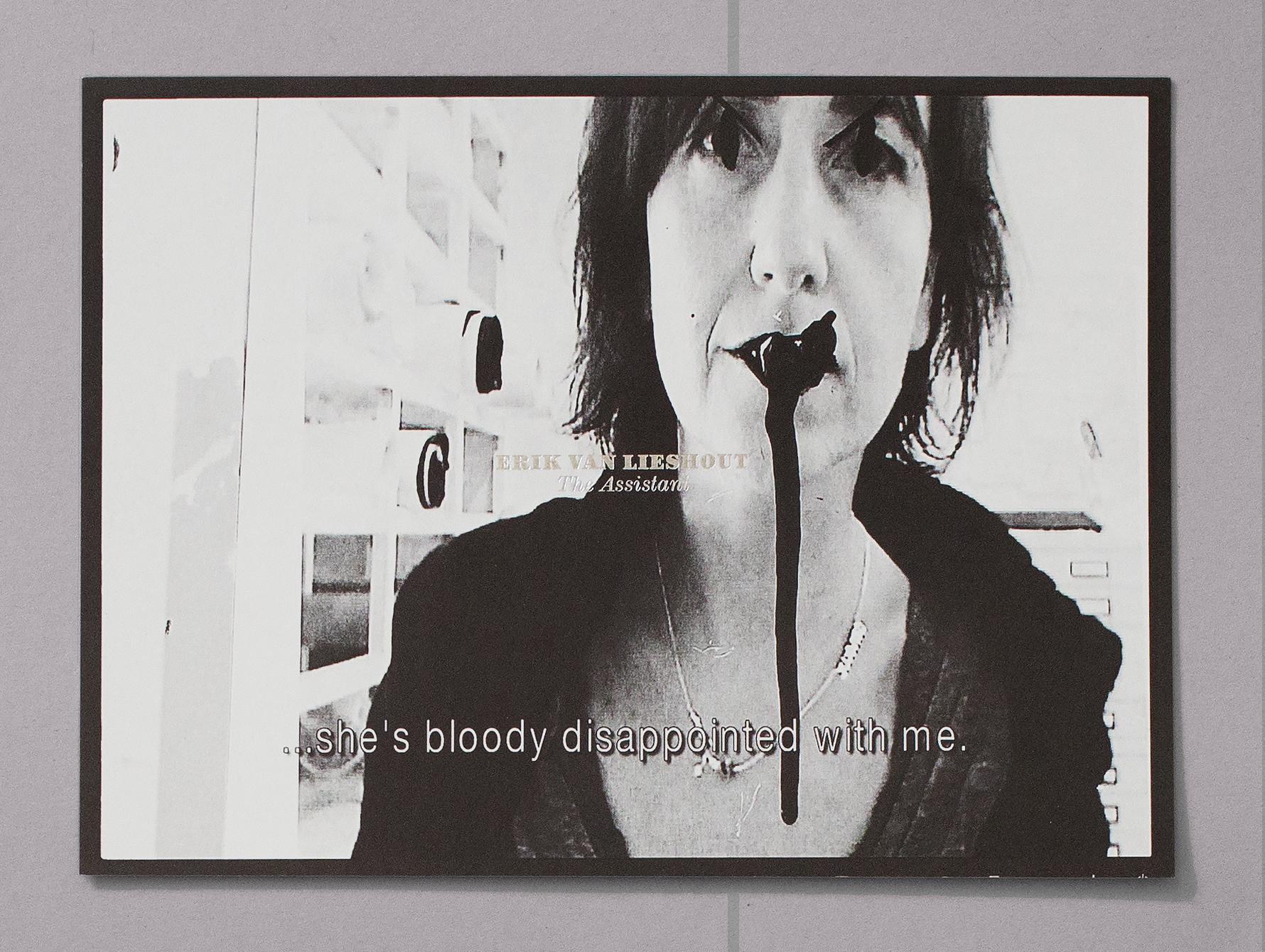 Carton d'invitation pour une exposition de Erik van Lieshout au CEC. L'image tirée de l'une des vidéos présentées.