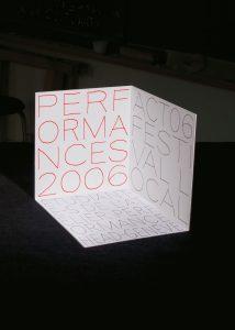Couverture du DVD documentant les réalisations 2006 de la classe Performance de la HEAD, Genève. En tant que Schönherwehrs.