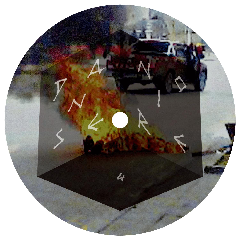 Label du EP «Hakken Dub/Throat Dub» de Aïsha Devi sur Danse Noire