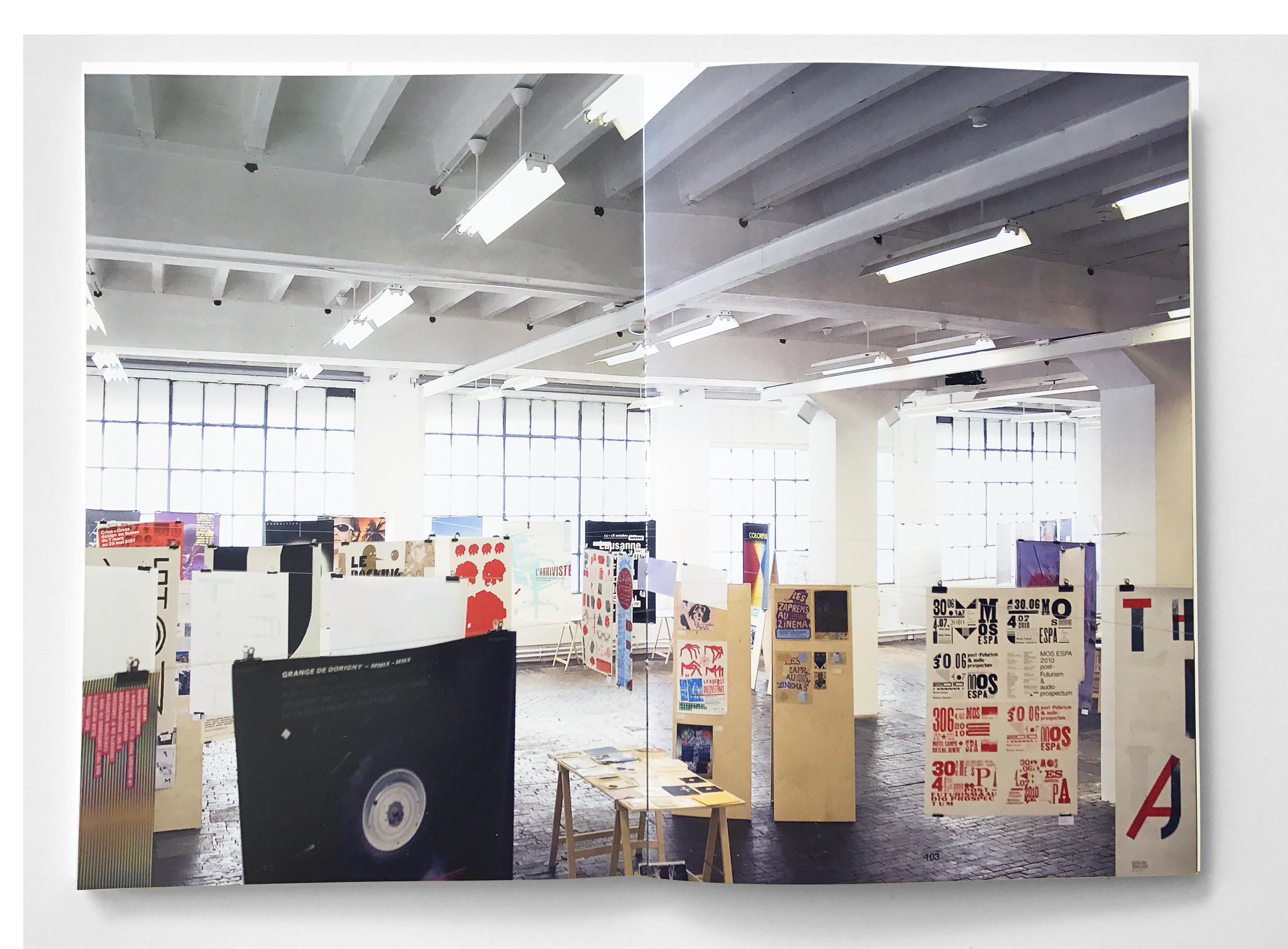 Vue de l'exposition que nous avons organisée au Centre d'art contemporain Genève (double page du catalogue). En tant que Schönherwehrs.