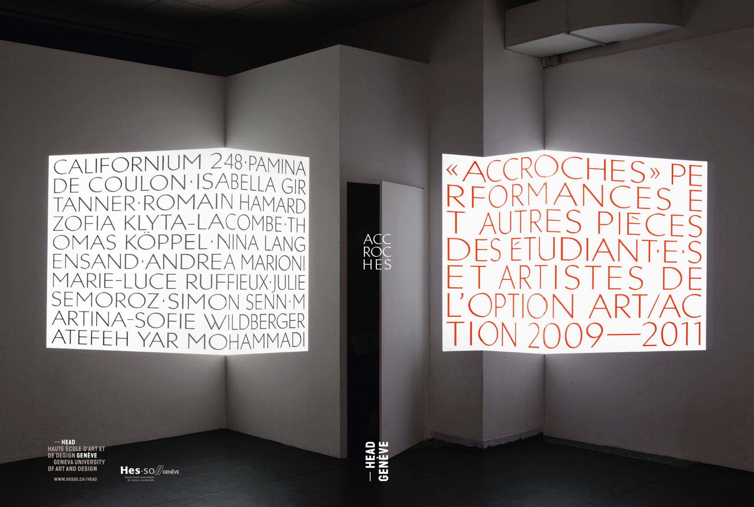 Compilation de performances de la classe art/action de la HEAD, Genève (couverture). Les titres ont été projetés dans la salle de classe. Photographie: Geoffrey Cottenceau. En tant que Schönherwehrs.