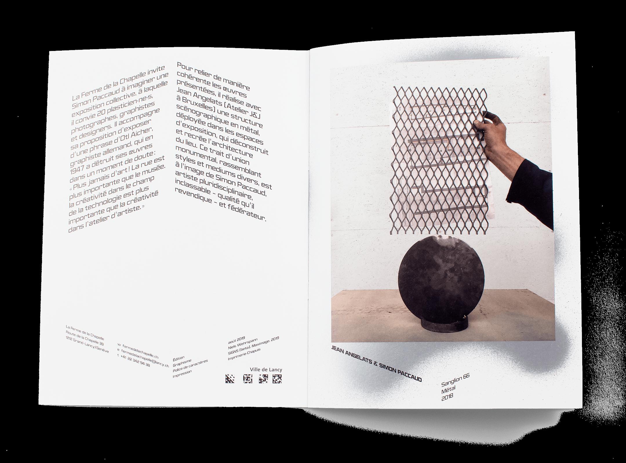 Photo d'une sculpture de Jean Angelats et Simon Paccaud dans la brochure de l'exposition de Simon Paccaud à la Ferme de la Chapelle